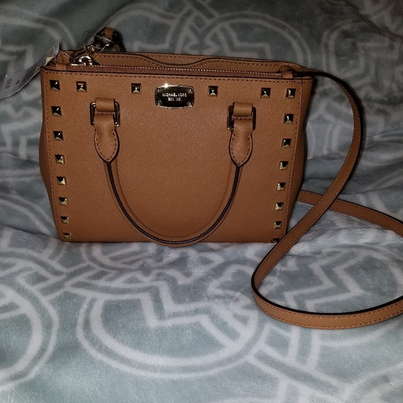 MICHAEL Michael Kors Handbags - 🔥MAKE AN OFFER🔥NWT Michael kors studded Kellen🧡